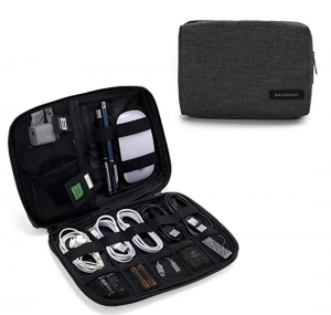 holiday-gift-guide-electronic-travel-case